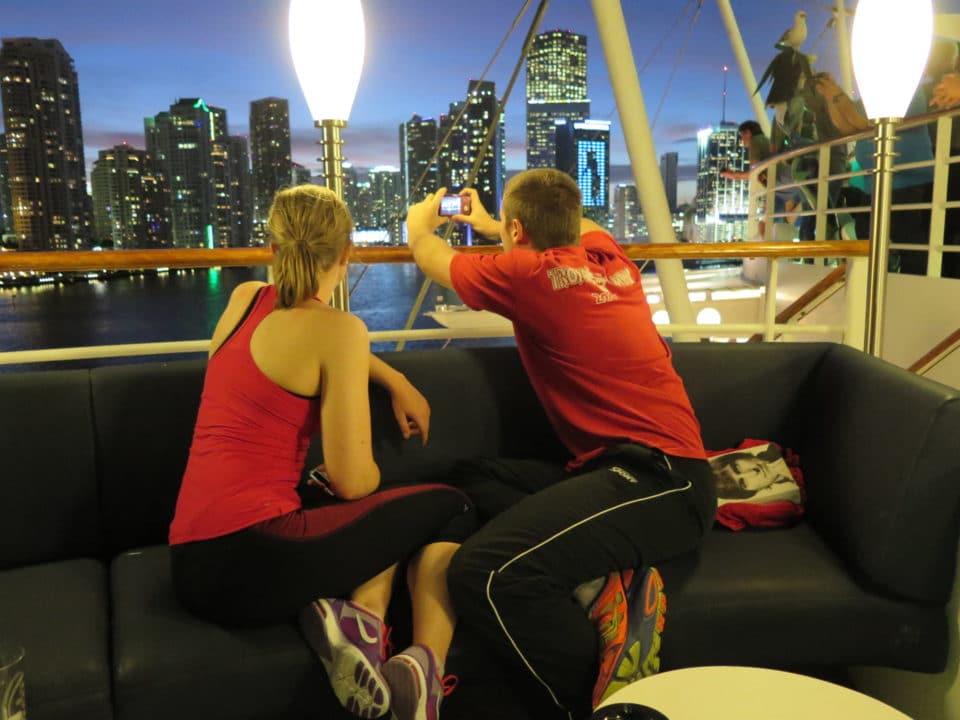Gemeinsam reisen und 24 Stunden zusammen sein – Beziehungskiller oder Liebes-Boost?